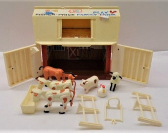 Vintage Play Farm with  Barn and Animals, Perfect Gift , With Reduced Shipping