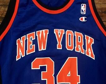 9d86eacf2e2 BNWOT Vintage New York Knicks Jersey
