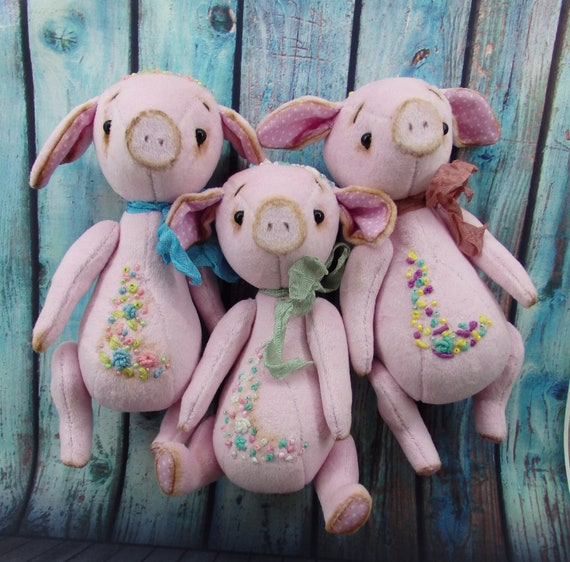 Plush Elephant 7 in and Piggie 5 in Soft Stuffed Toys with Embroidered Details