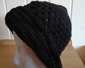Crochet hat with brim in black