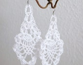 White crochet earrings (earrings, crochet jewellery, ear jewellery)
