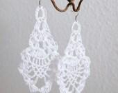 White crochet earrings (earrings, crochet jewellery, ear jewellery)