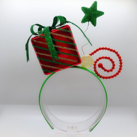 Party Partners Paper Ribbon Gift Wrap Accent or Wall Decoration Happy Holidays Red//Green