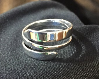 Sterling silver wrap around ring size 10 1/2
