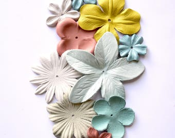 10 psc leather flowers set