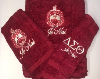 2bc4aad7 Delta Sigma Theta Sorority Personalized Bath Towels