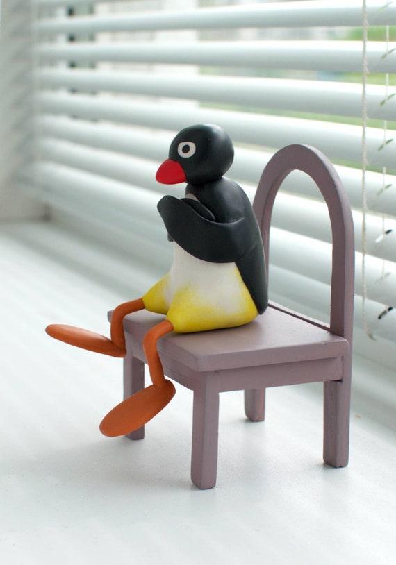 Pingouin Pingu Assis Sur Une Chaise Figurine En Argile Polymère Figure De Table Personnage De Dessin Animé Pingouin Fâché Article Sera Fait Sur