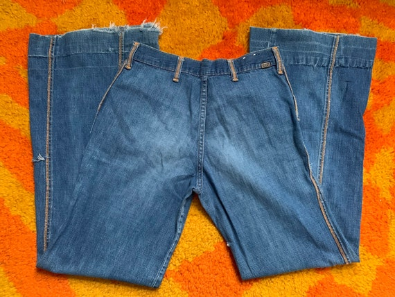 Vintage 1970's 1970's /28in/ detailed bell bottom… - image 2