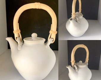 Free delivery in Australia. Smooth to the touch 4 cup White Teapot
