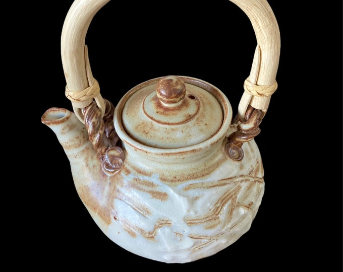 SOLD Free delivery within Australia. Bronwyn Clarke Ceramics Teapot 3 cups.