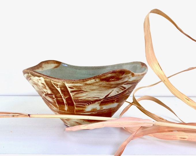 Sculptural Serving Bowl by Bronwyn Clarke Ceramics.  A very special piece to add to your collection. Free delivery in Australia.