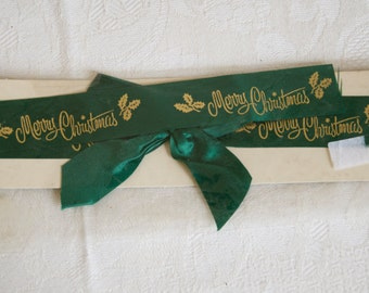 """Vintage GIFT WRAPPING RIBBON in green with gold print """"Merry Christmas"""". Perfect to add a retro touch to your holiday presents"""