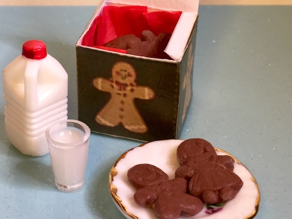 Miniature Plate of Gingerbread Man Cookies//Glass of Milk DOLLHOUSE Christmas