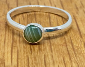 Green stripe agate ring, pretty stacking ring, Agate ring, Green agate, sterling silver, Stacking ring, size T , silver, green ring