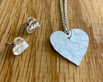 Hammered silver heart pendant, heart pendant, silver heart necklace, jewellery for her, heart jewellery, silver heart, handmade silver heart