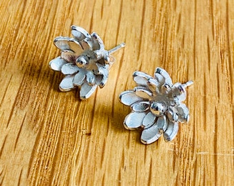 Flower stud earrings, flower studs, small flower earrings, handmade flower earrings, gift for her, silver flower studs, handmade flower stud