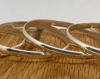 Beautiful silver bangle, Sterling silver bangle, hammered bangle, polished bangle, solid silver, bangle, silver bangle, classic, handmade