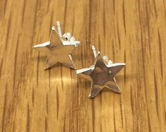 Small silver star studs, star studs, Silver star earrings, star earrings, Pure silver stud earrings, silver studs, silver stars,small studs