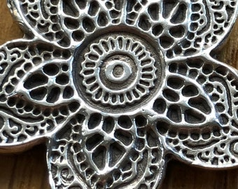 Beautiful handmade silver Henna Flower pendant, silver henna necklace, Silver Mandela necklace, Mehndi necklace, silver Mandela pendant