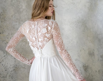 long sleeve wedding dress // simple wedding dress // corset wedding dress // chiffon wedding dress // lace wedding dress // bridal bolero