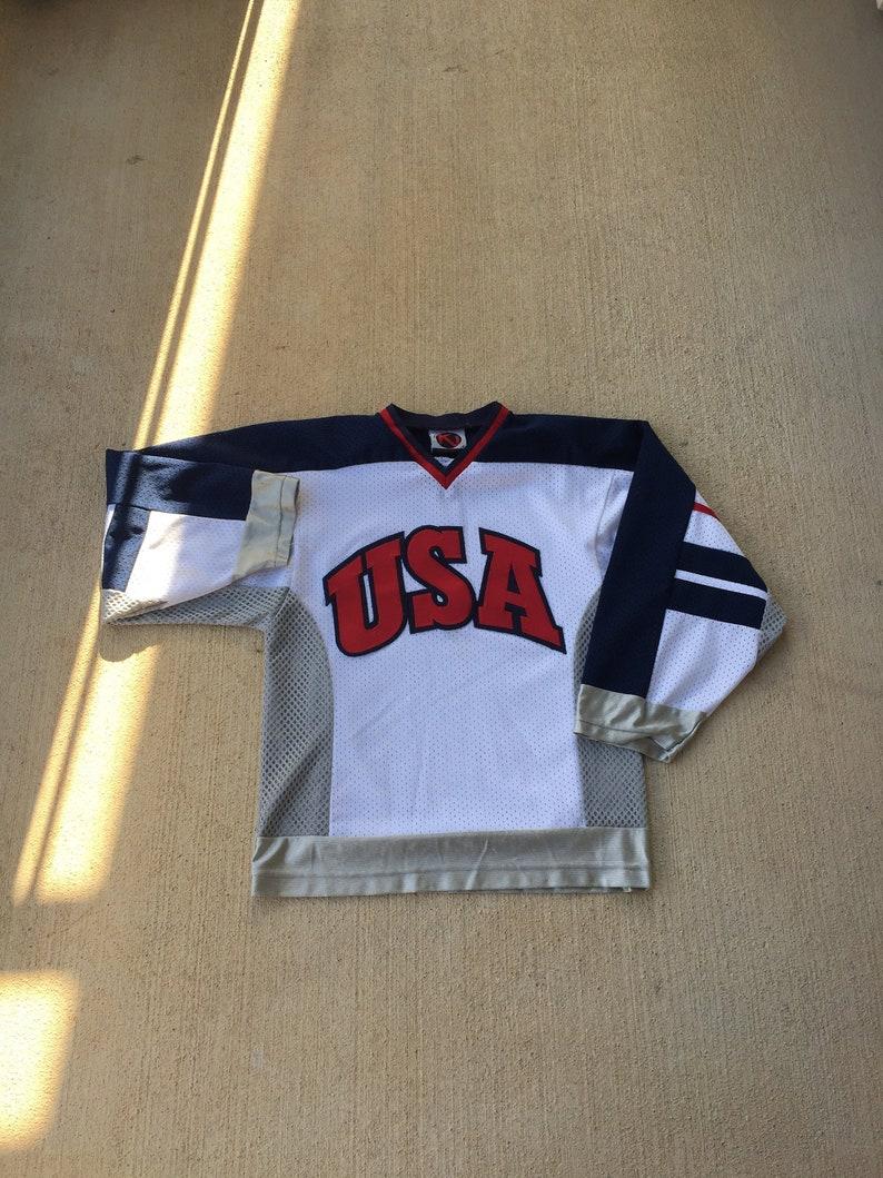 e156e37f8 USA Hockey Jersey Sz Small Stars and Stripes Flag Code