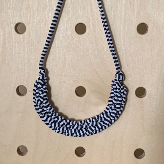 Stellen Curve necklace: Blue stripy chunky statement necklace made with navy blue & white Tshirt yarn