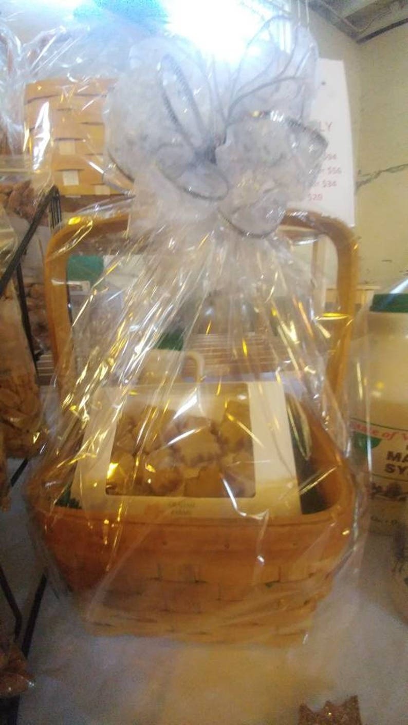 6396c50841a Maple Gift Basket Small