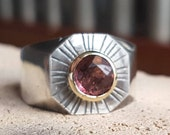 Seal ring sundial with tour maline in 14 carat gold setting with hand engraving size 55