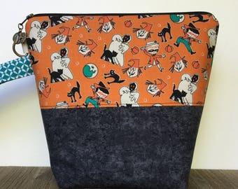 Knitting Bag, Project Bag, Wedge Bag, Zippered Pouch Bag, Sock Knitting, Retro Halloween Fabric