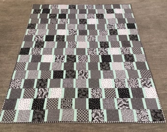 Black and White Modern Throw Quilt