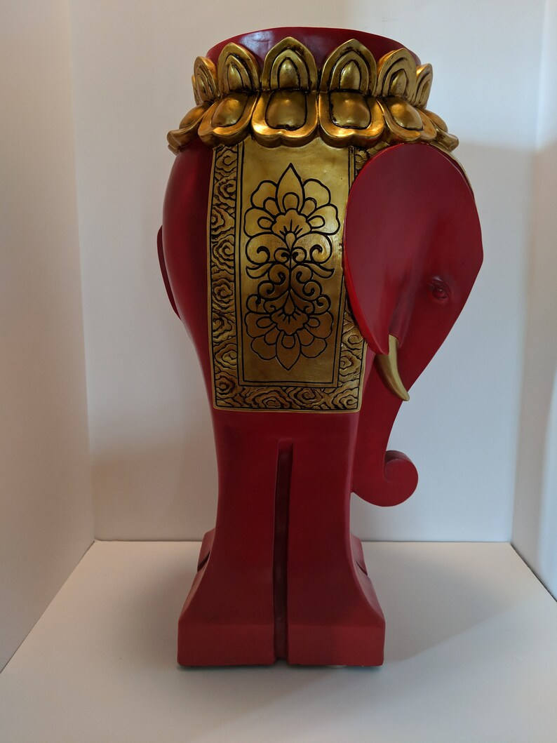 Vintage Decorative Gold /& Red Elephant Pedestal or Side Table