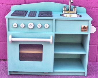 Kid's Play Kitchen (classic)