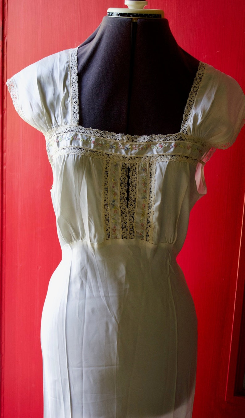 8d024a8cc 1940 s White Satin Negligee Gown Embroidered and Lace