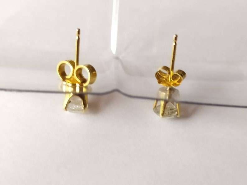 14ct Yellow Gold Diamond Stud Earrings Nose Ring
