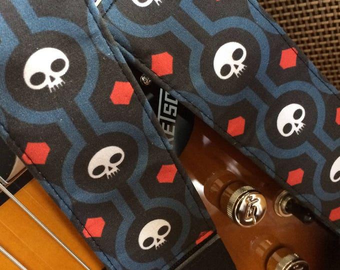 Skull guitar strap handmade // retro skulls cool guitar strap // punk guitar strap // Halloween guitar accessories // dia de los muertos