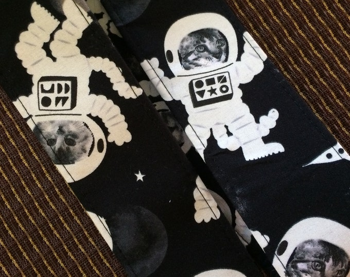 Space cats guitar strap // cool out of this world astronomical nostalgia // glow-in-the-dark astrocats in spacesuits, walking in space