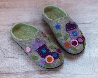Housewarming Anniversary Gift for her gift for women felt slipper House Shoes Felted Wool Slippers Woolen Clogs Felted Slippers clog woman