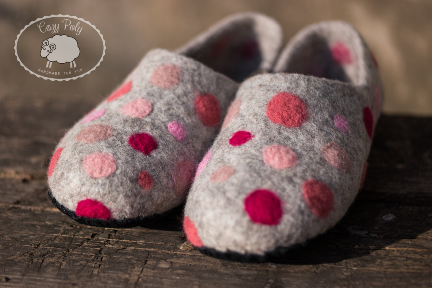 Housewarming gift for her Girls Slippers Pink Polka slippers Dots House Shoes handmade slippers Polka from Felted Wool Slippers Clogs Felted slippers 595989