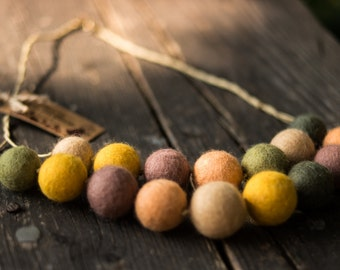Birthday Gift for her Needle felted Necklace Merino Wool jewelry Statement Necklace felted jewelry felt necklace colorful beads felted balls