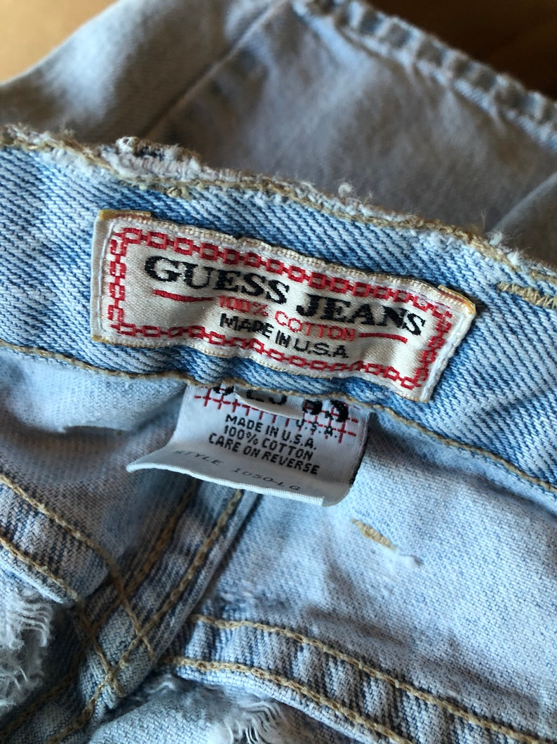 Size 29 Tapered Leg Skinny Leg 80s Guess Jeans Perfectly Worn Light Wash