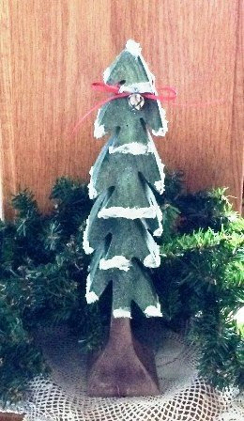 Wooden Dimensional Tree Hand Painted Wood Christmas Decoration Table Decor Holiday Decoration 9 Inches Shelf Sitter Mantel Decoration