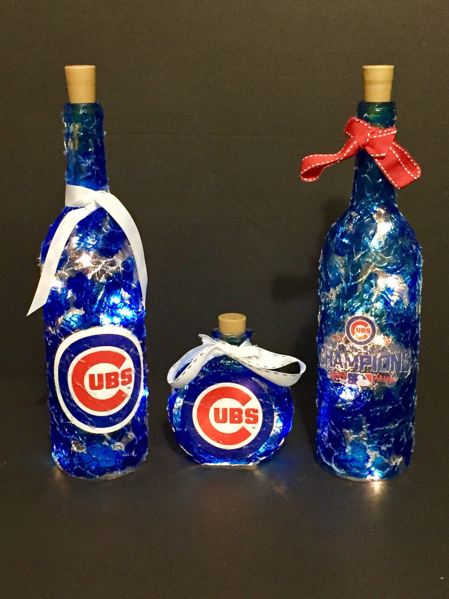 Chicago Cubs Lights. Chicago Cubs lighted bottles. Chicago Cubs gifts. Chicago Cubs decoration.