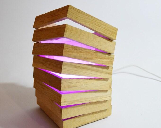 Mabell // Designer table lamp in oak wood