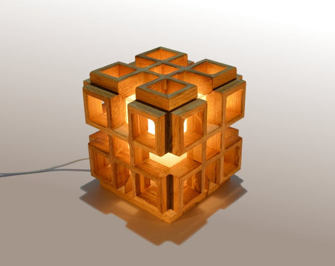 Infinity // Square design lamp
