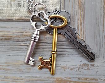Victorian Jewelry, Steampunk jewelry, Charm necklace, Charm Jewelry, Skeleton Key Jewelry