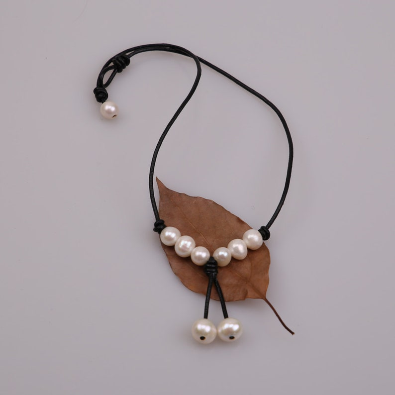 18 Women Freshwater Pearl Necklace,Beaded Pendant Necklace,Dangling Charm Jewelry on Genuine Leather Cord,White Pearl Jewelry for Women
