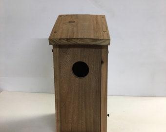 Cedar Bluebird House / Nesting Box