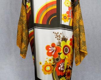 f121eb221 Groovy vintage floral kimono style jacket