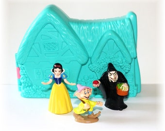Vintage 1993 Mattel Disney Snow White Once Upon a Time  Playset