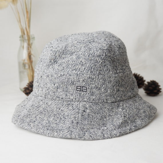 Vintage BALENCIAGA bucket hat.
